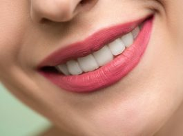 menghilangkan kuning di gigi